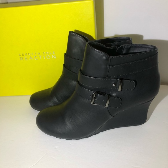 NEW Kenneth Cole Reaction boots size 9.5 in black
